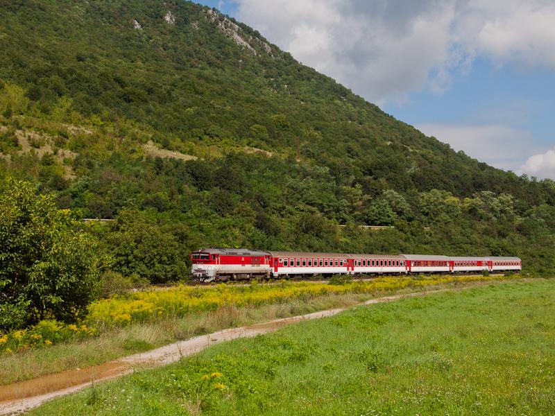 A ŽSSK 757 008-8 Rozsn fotó