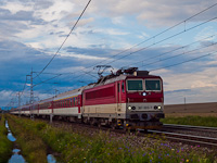 The ŽSSKC 183 006-6 seen between Ganovce and Poprad-Tatry