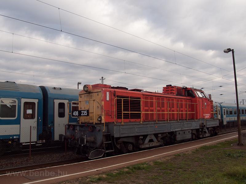 A MÁV-TR 408 235-ös Púpos Vámosgyörkön fotó