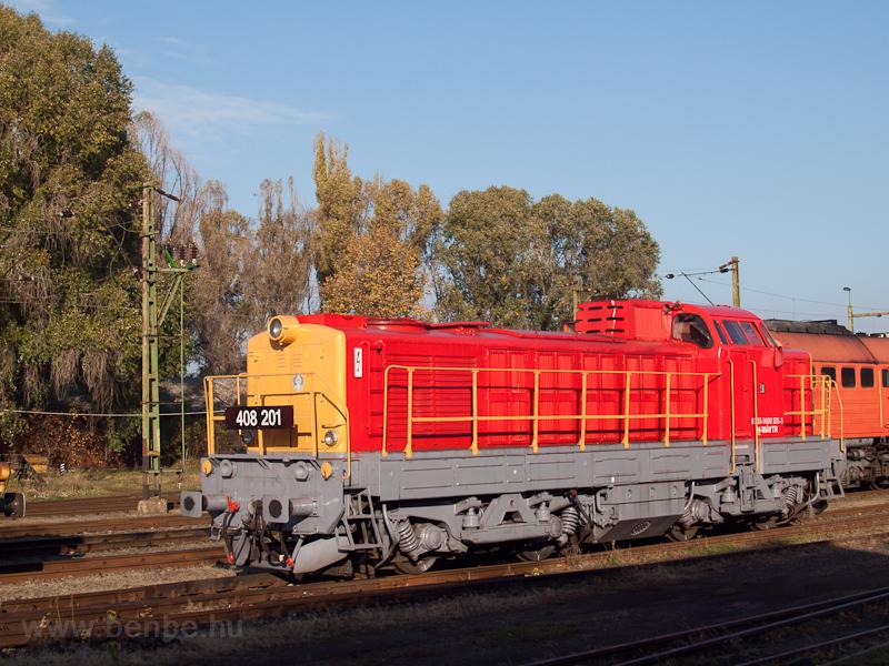 A MÁV-TR 408 201 pályaszámú Púpos Hatvanban a sorozat ötvenedik évfordulójára szervezett ünnepségen fotó