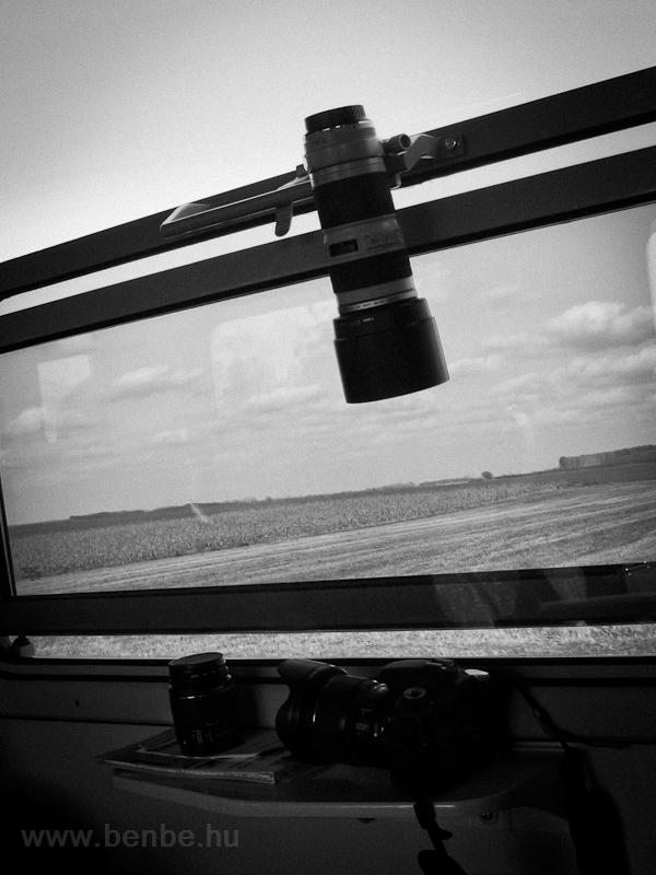 Praktikus objektívtartó a Bp-kocsiban fotó