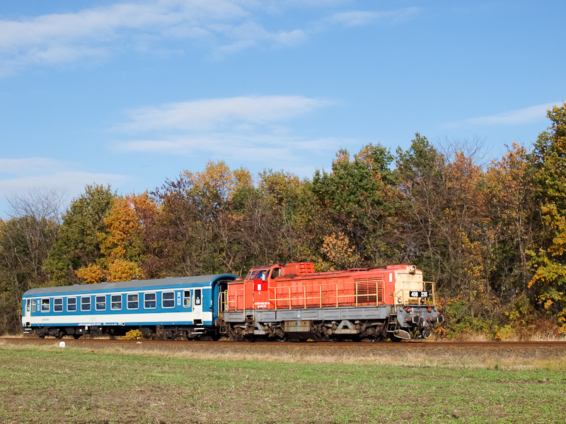 The MÁV-TR 408 235 seen between Jászapáti and Jászkisér photo