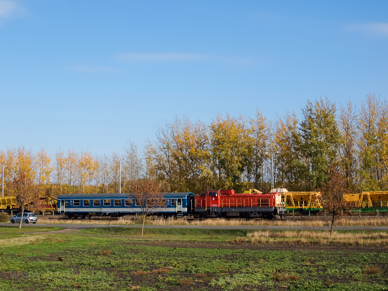 The MÁV-TR 408 235 seen between Jászkisér and Jászkisér felső photo