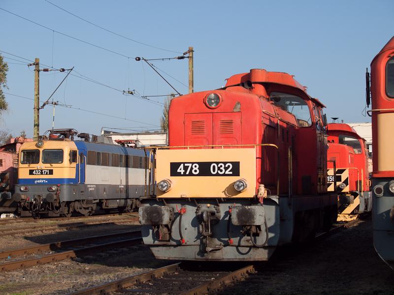 A MÁV-TR 478 032-es Dácsia Hatvanban fotó
