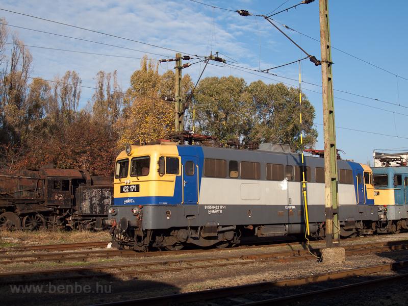 A MÁV-TR 432 171-es Szili Hatvanban fotó