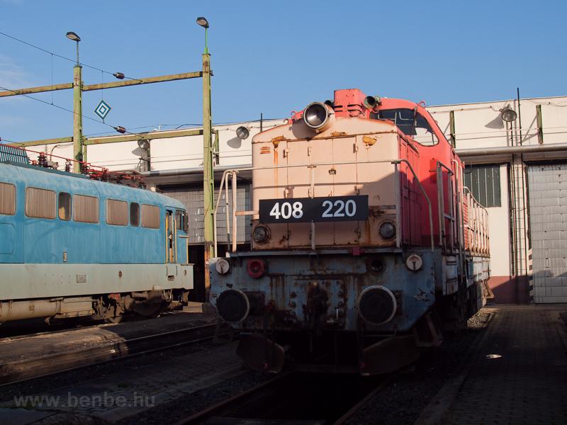 A MÁV-TR 408 220 pályaszámú Púpos Hatvanban a sorozat ötvenedik évfordulójára szervezett ünnepségen fotó