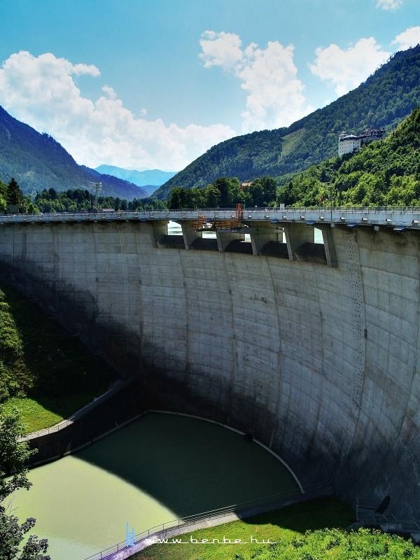 A Klauser See víztározó völgyzárógátja fotó