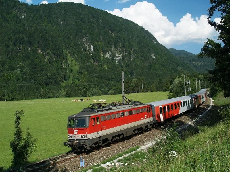 1142 625-1 a bezárt St. Pankraz megálló és Hinterstoder állomás között fotó