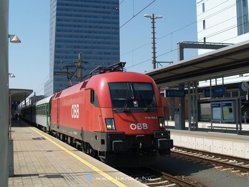 1116 084-3 Linz/Donau Hauptbahnhofon fotó