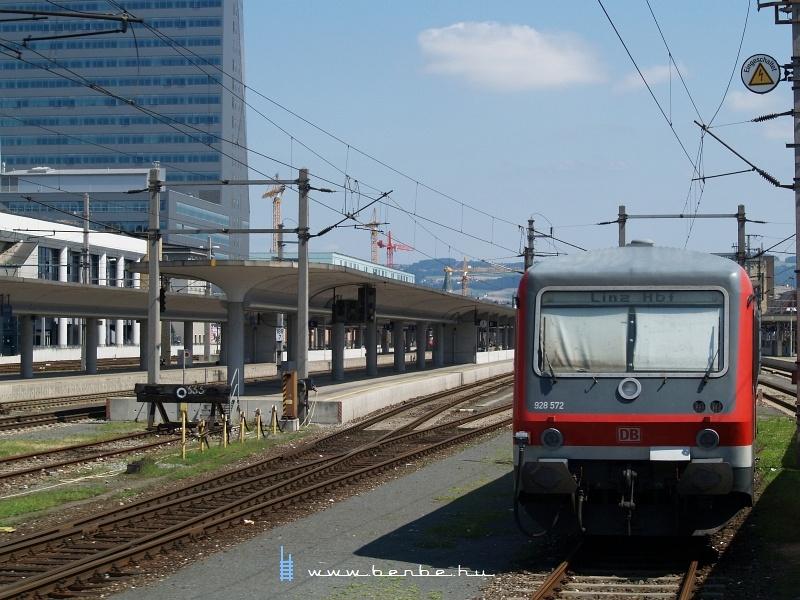 A DB 928 572 Linz/Donau Hauptbahnhofon fotó