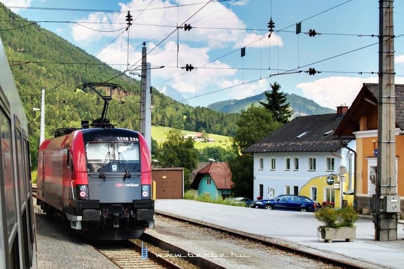 A 1116 228 pályaszámú  railjet -Taurus Ardningban fotó