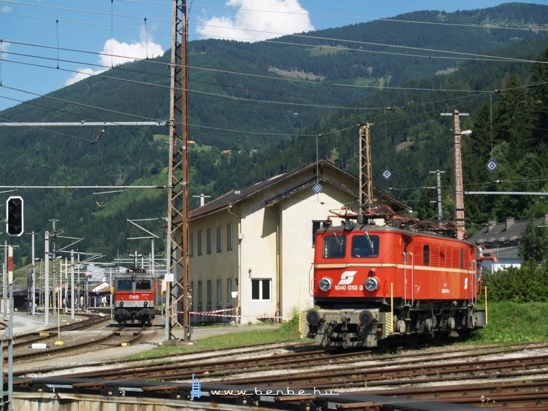 1044 054 és 1040 013-3 a selzthali fűtőházban fotó
