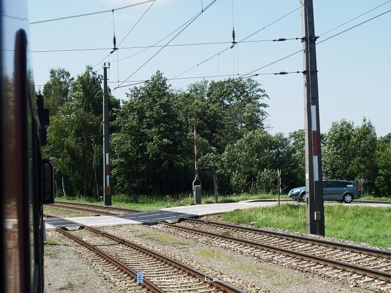 Álló sorompóval fogad a korábbi keresztezőállomás Rohr-Bad Hall fotó