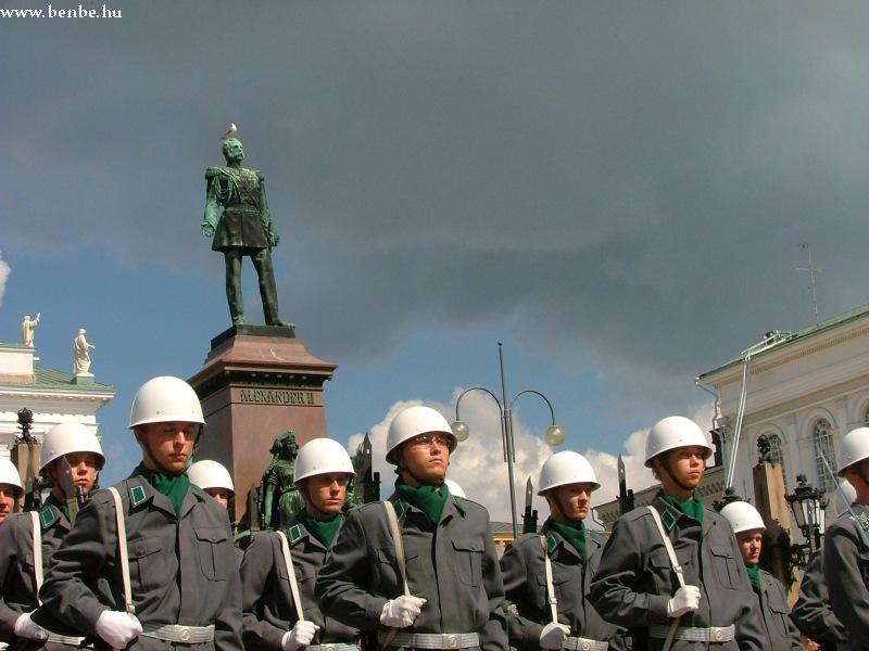 Katonazenekar a Senaatintorin fotó