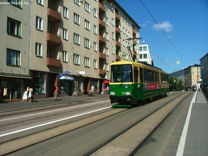 Nr II. villamos Helsinkiben, a Mannerheimintie felsõ szakaszán az Olimpiai Stadion közelében fotó