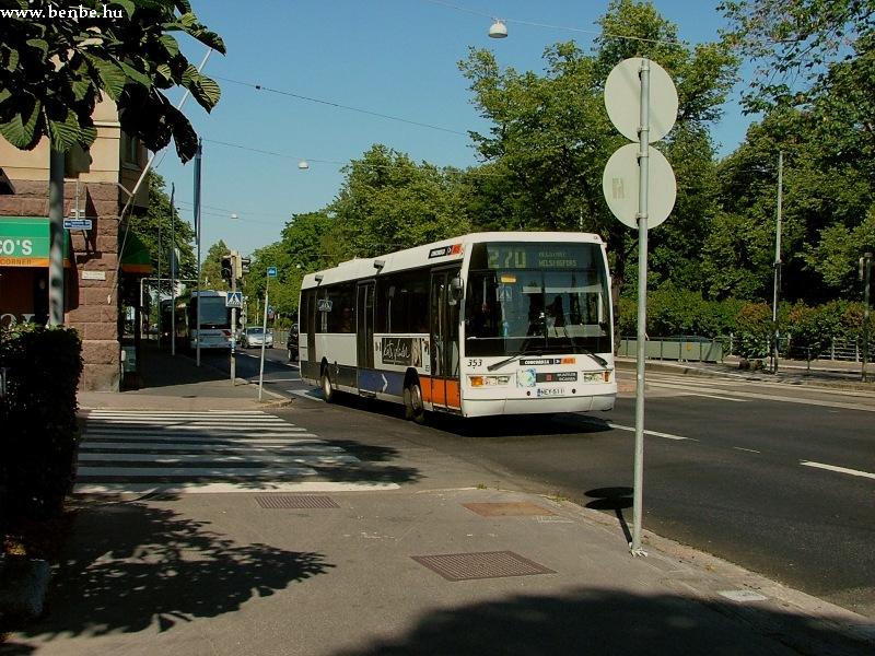 Ikarus EAG E94 busz a Mannerheimintie alsó szakaszán (Helsinki) fotó