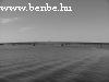 A tenger Ruoholahti egy mólójáról nézve, háttérben a Helsinki - Espoo autópálya