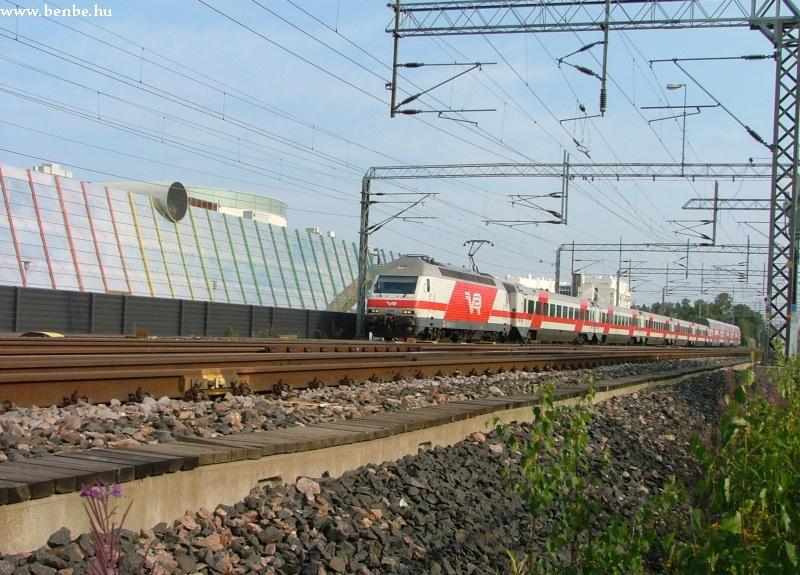 InterCity Sr2 típusú mozdonnyal Tikkurila közelében fotó