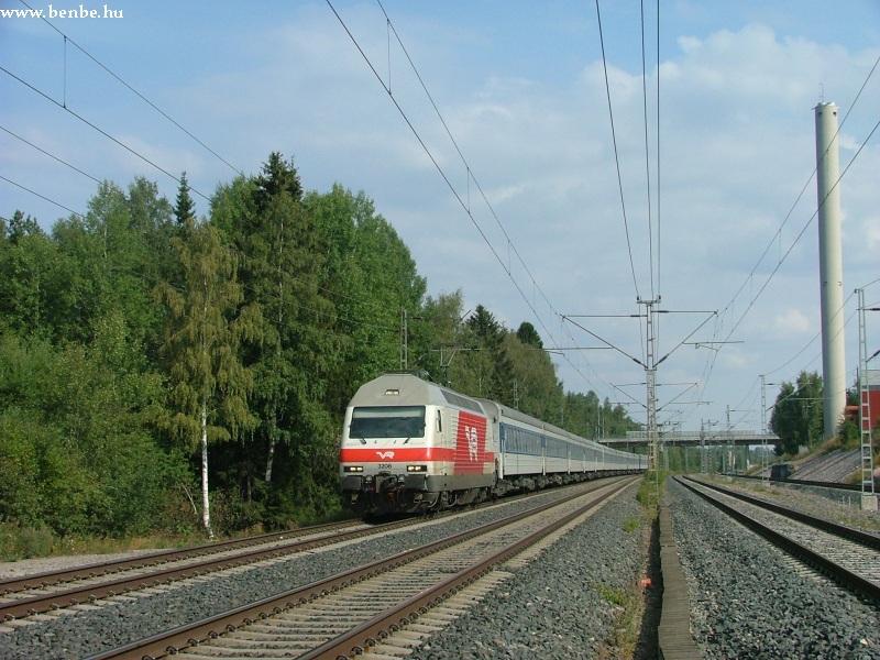 Sr2 által vontatott nemzetközi gyorsvonat Hiekkaharju és Koivukylä között fotó