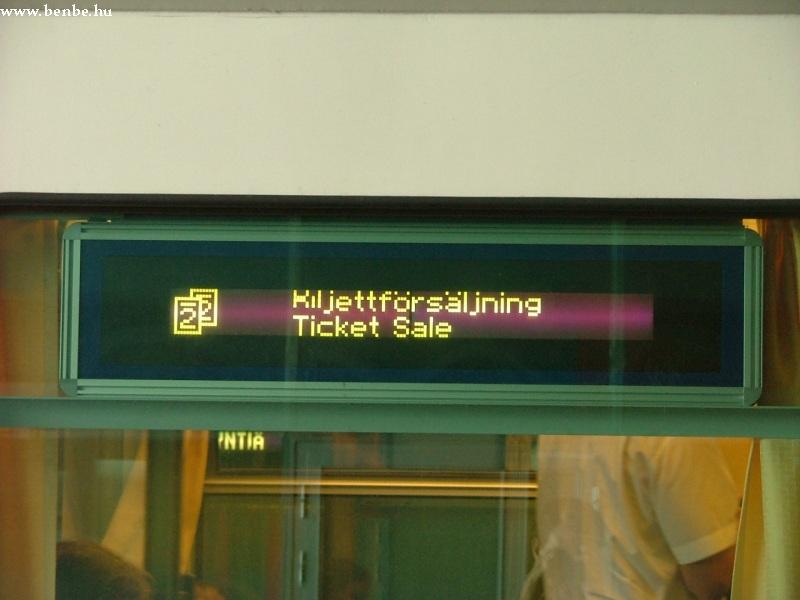 Vonatunk keresésekor figyeljük az ablakokban levõ kiírásokat fotó