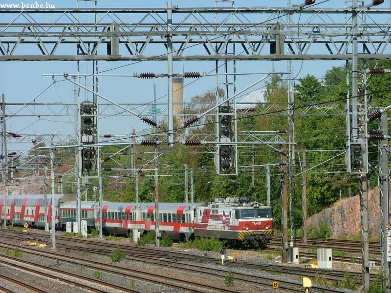 Sr1 mozdony húzza IC vonatát Helsinkibe fotó