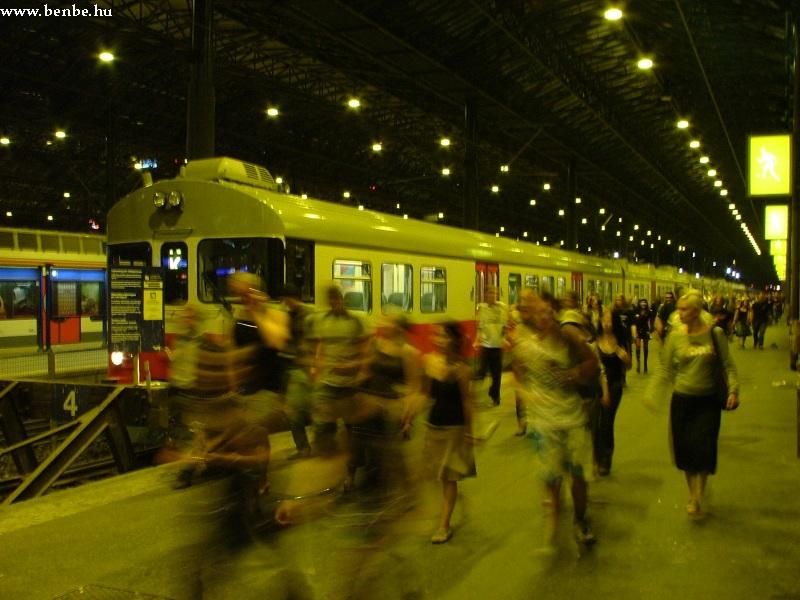 Felújított Sm2 vonat érkezett Korsóból Helsinkibe fotó
