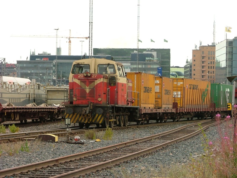 Dv16 dízelmozdony Helsinki kikötõjébõl hoz egy elegyet fotó