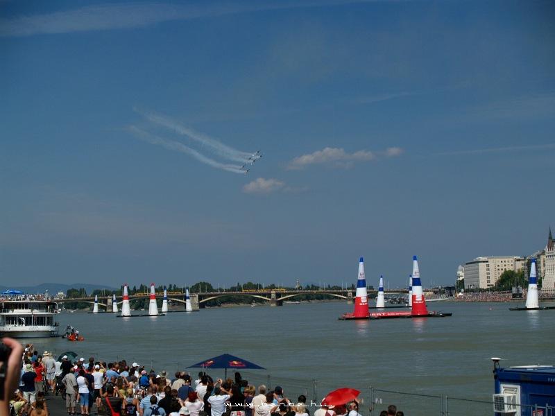 A Breitling Jet Team bemutatója fotó