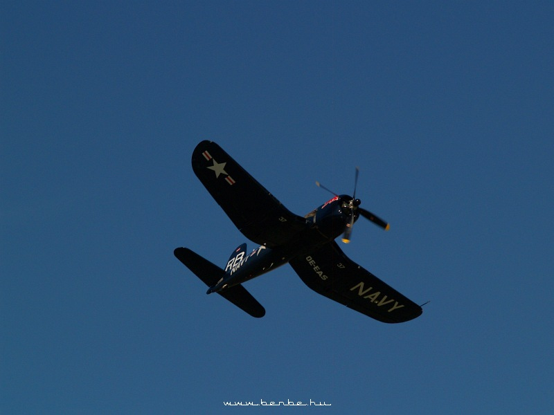 Red Bull második világháborús bemutató kötelék fotó