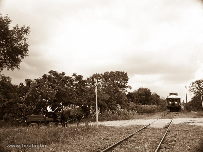 The BCmot 397 and a cart at Ágasegyháza photo