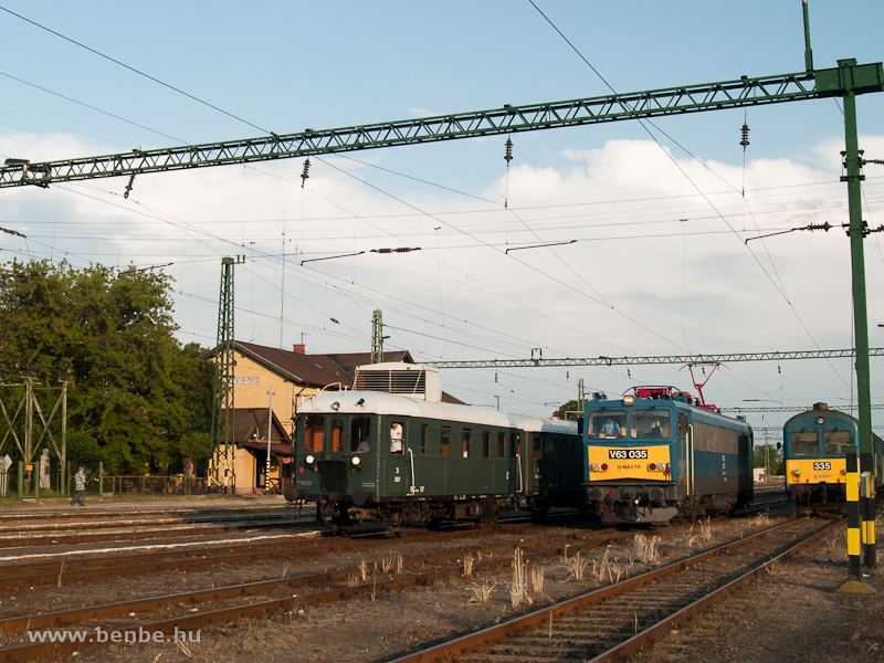 BCmot 397, V63 035 és a BDt 335-ös vezérlőkocsi Kunszentmiklós-Tass állomáson fotó