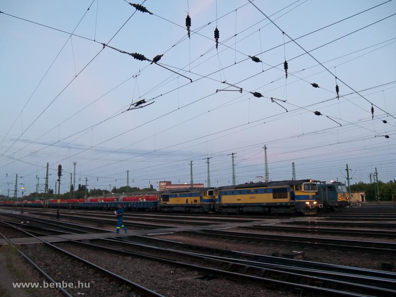 AWT b�v�rok a 753 704-6 vezet�s�vel Ferencv�rosban fot�