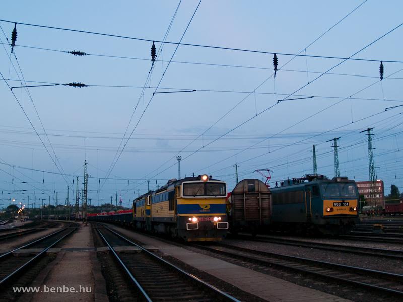 AWT búvárok a 753 704-6 vezetésével Ferencvárosban fotó