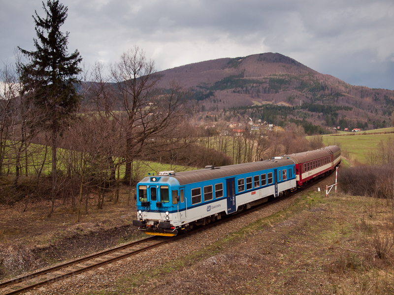 The ČD 842 011-9 seen  picture