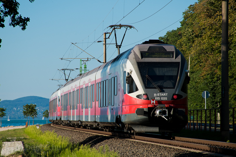 The MÁV-START 415 025 seen  photo
