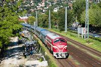 A MÁV-Nosztalgia kft. M61 001 Balatonalmádi állomáson