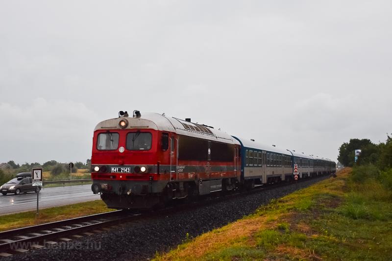 A MÁV-START M41 2143 Balatonarács és Csopak között fotó