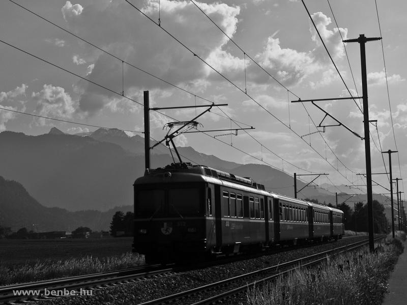 A Be 4/4 512 Felsberg és Domat/Ems között fotó