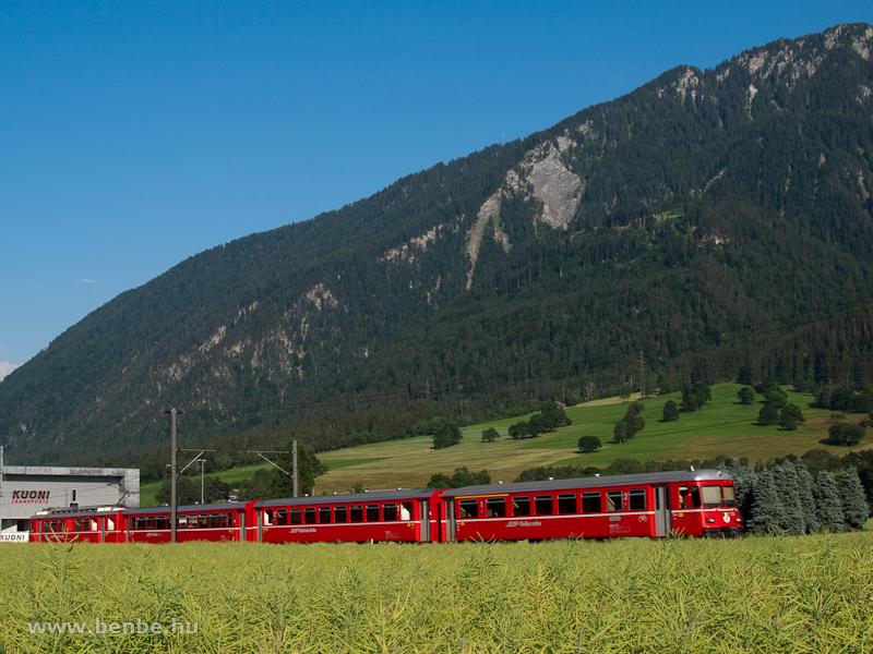 A Be 4/4-es S-Bahn Felsberg és Domat/Ems között fotó