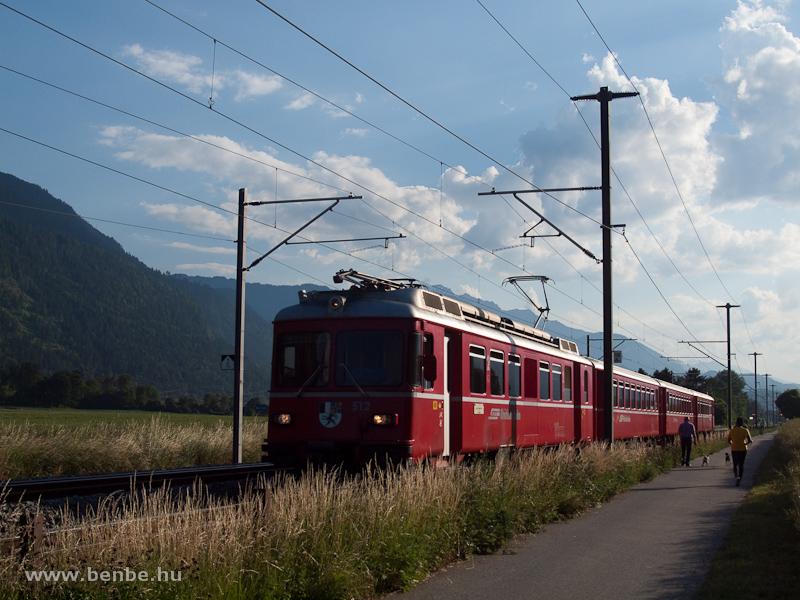 A Be 4/4 512 Domat/Ems és Felsberg között fotó
