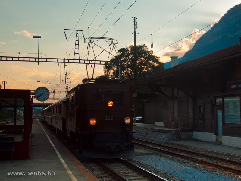 Az RhB Ge 2/4 222-es nosztalgia-villanymozdonya Felsbergben fotó