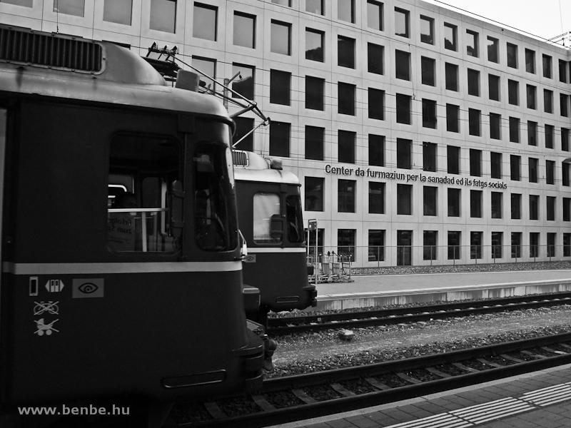 Két Be 4/4-es S-Bahn motorvonat arcéle Churban fotó