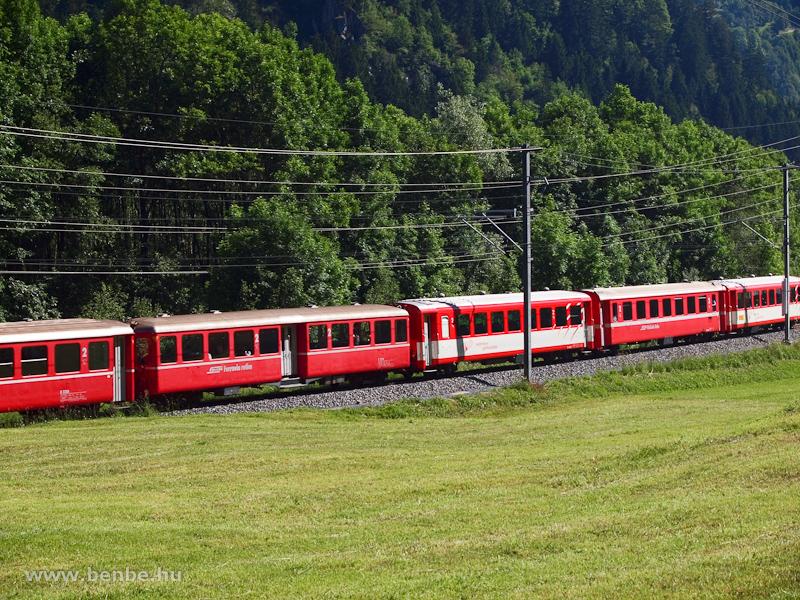 A vonatban a szokásos mellett érdekesebb kocsik is közlekedtek fotó