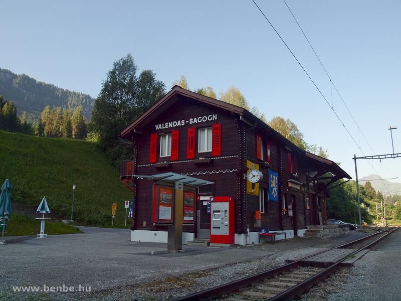 Valendas-Sagogn állomás hajnalban fotó