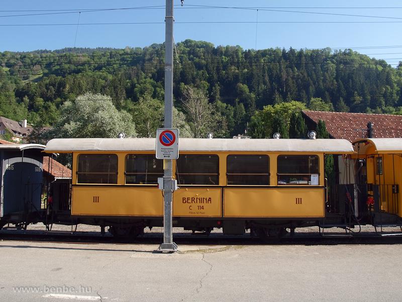 Berninabahn nosztalgia-személykocsi Ilanzban fotó