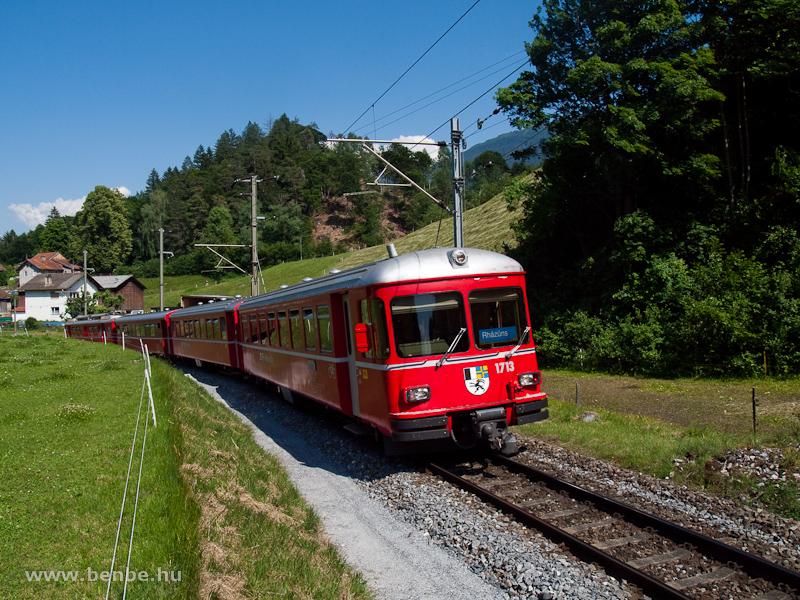 Az RhB Be 4/4 513-as S-Bahn motorvonat 1713-as vezérlőkocsija Reichenau-Tamins és Bonaduz között fotó