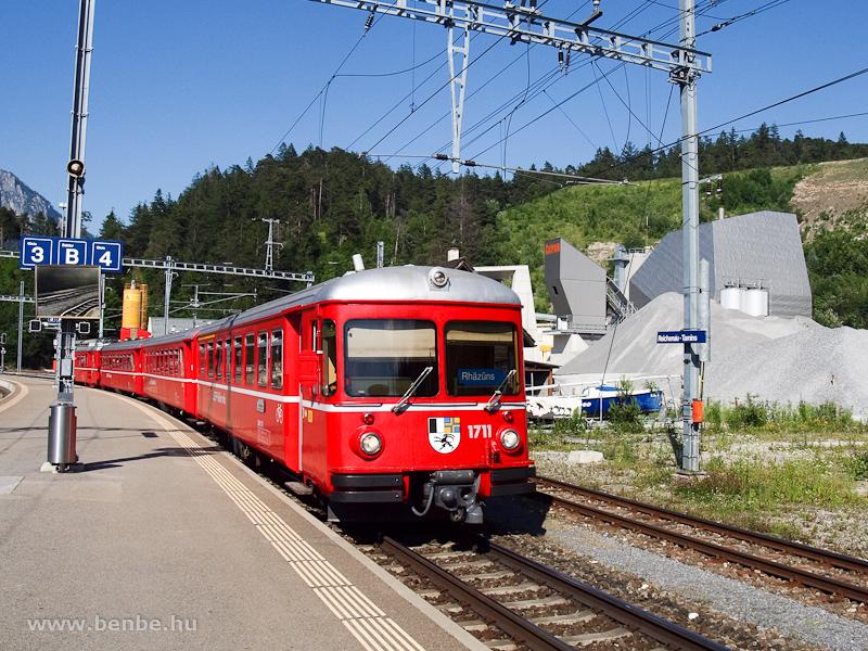 Az RhB Be 4/4 511 motorvonat Reichenau-Tamins állomáson fotó