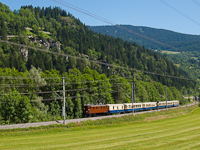The RhB Ge 4/6 353 between Rueun and Waltensburg/Vuorz with the Alpine Classic Pullman Express