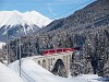 Allegra az Inn-viadukton Cinuos-chel/Brailnál egy Engadin Star vonattal (Landquart - Vereina - St. Moritz)