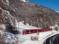 A Rhätische Bahn ABe 8/12 3511 Susch és Zernez között